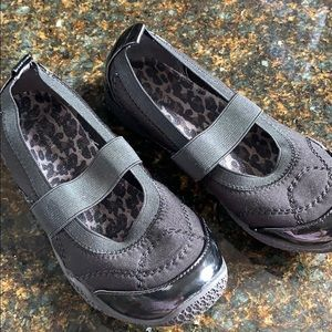 Girls comfortable dress shoes